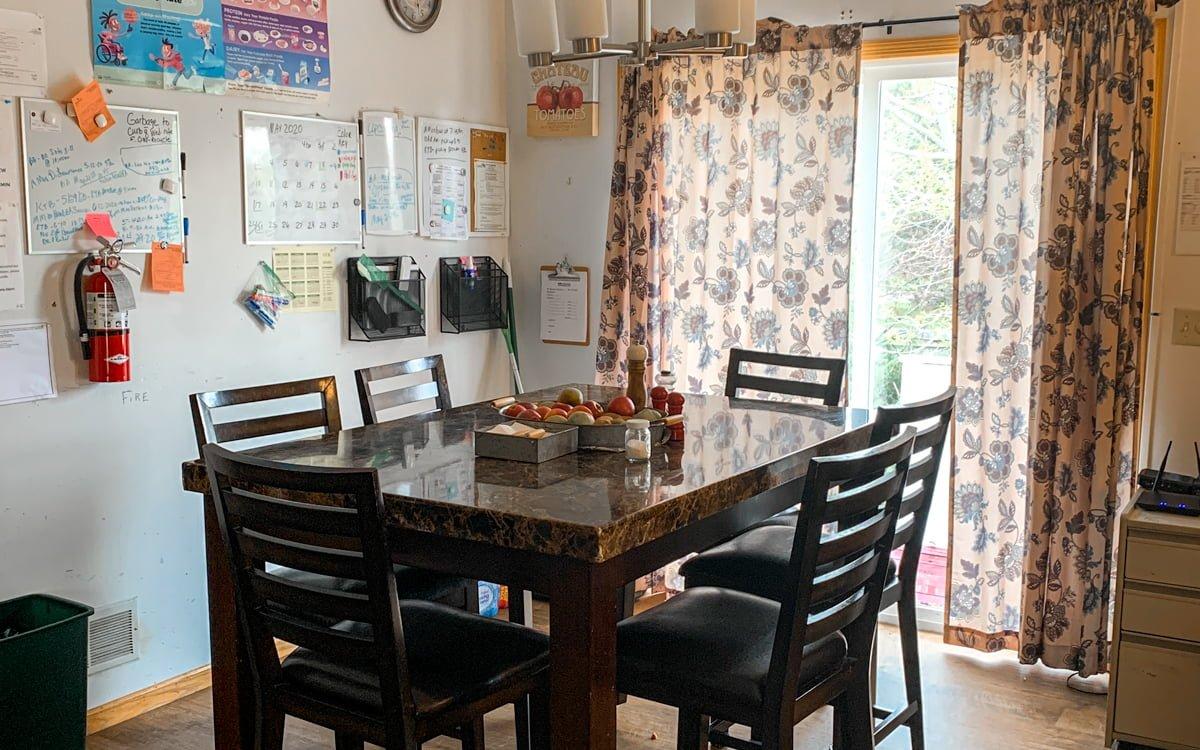 Melbrik Dining Room