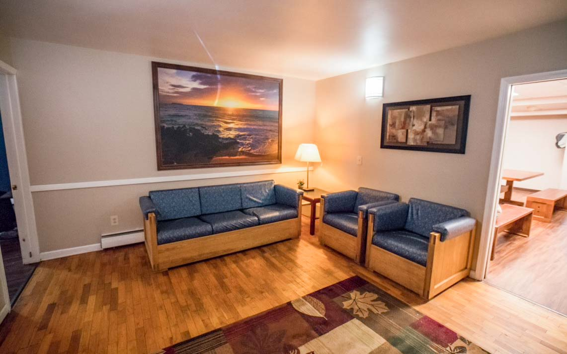 Galesburg Stagecoach Living Room