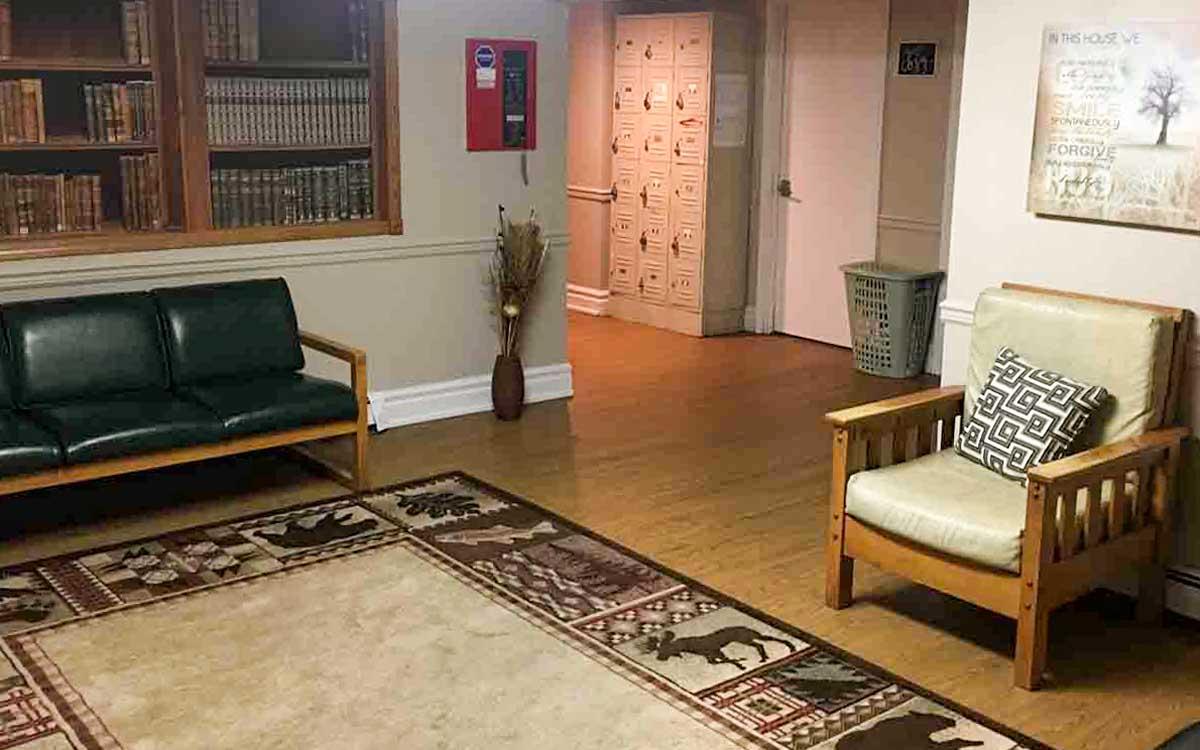Kingsley Mission-Point Living room 2