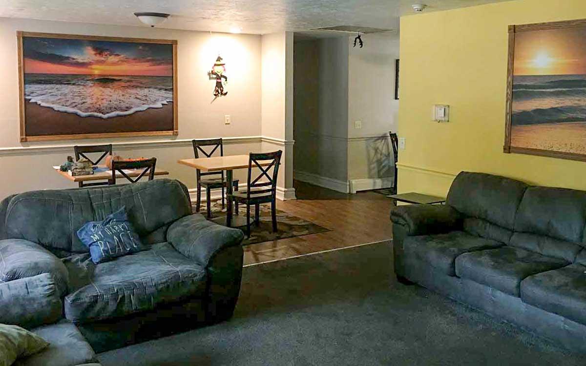 Kingsley Mission-Point Living room