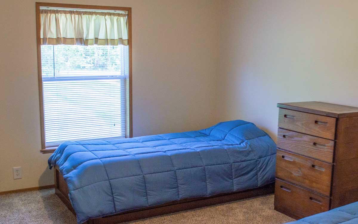Lapeer Bedroom