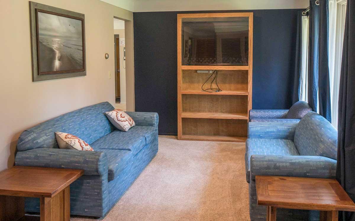 Leslie Living Room