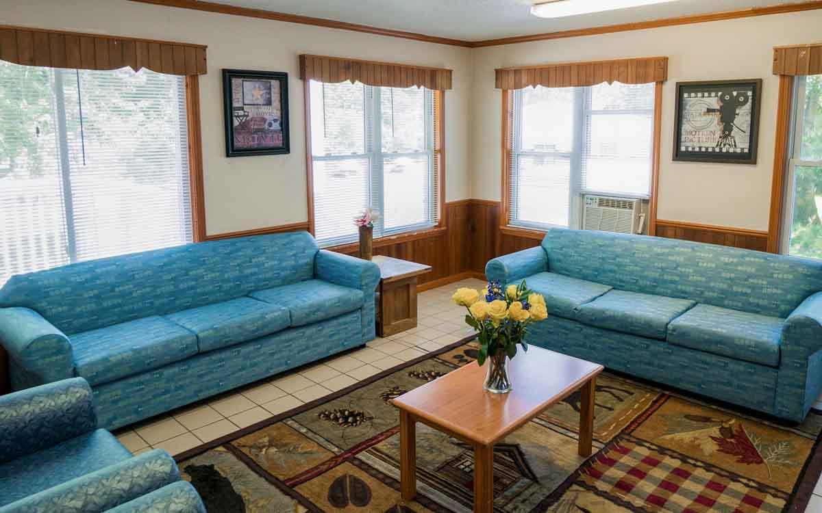 The Oaks Living Room